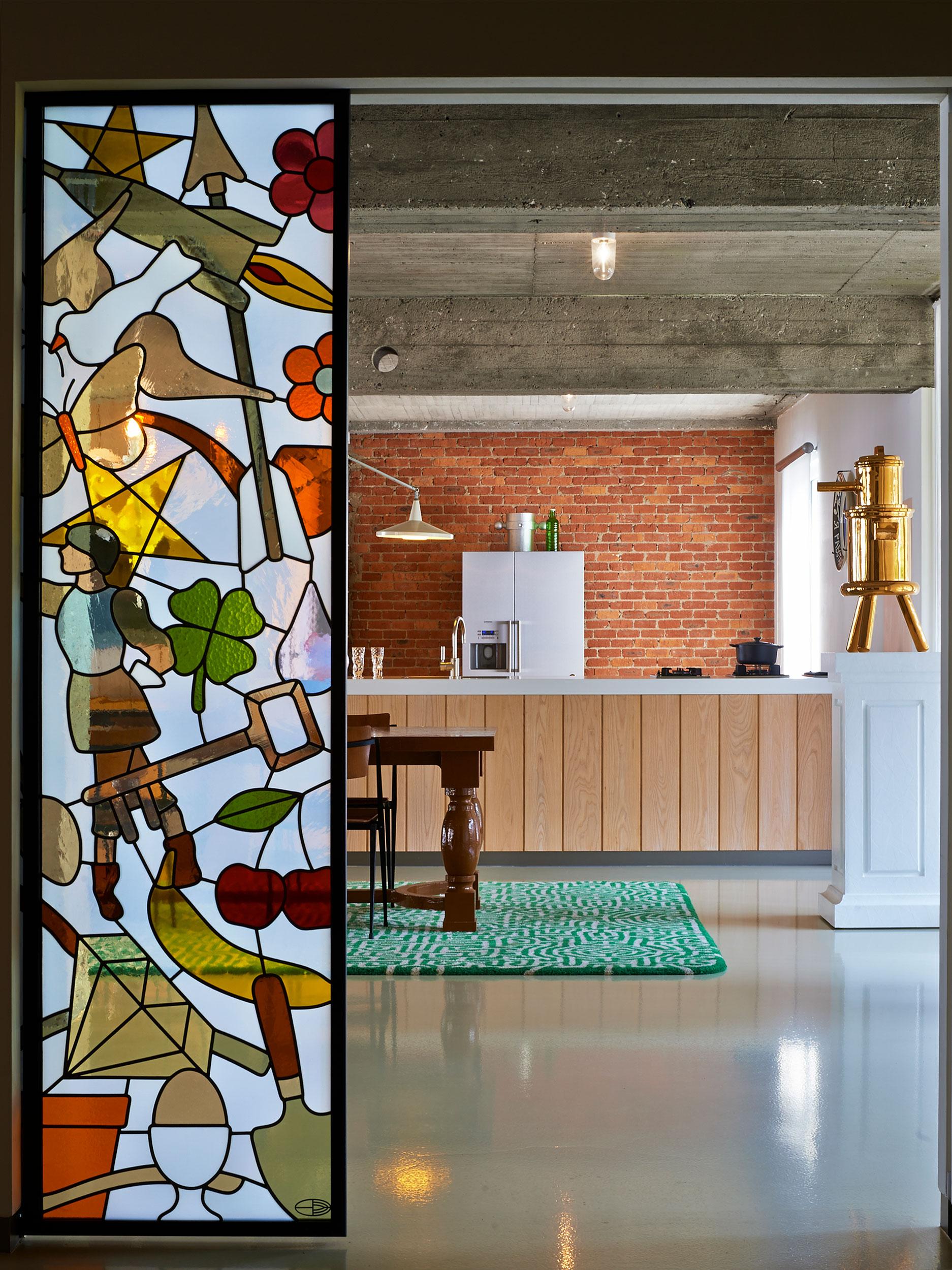 Studio-Job-Loft-1st-floor-entrance-dining-kithcen-ph-Dennis-Brandsma-22713-0254