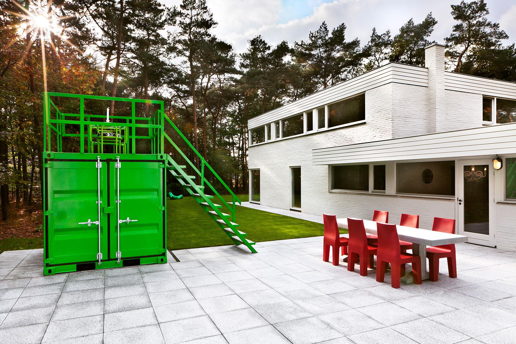 Studio-Job-House-floor0-outside-back-terrace