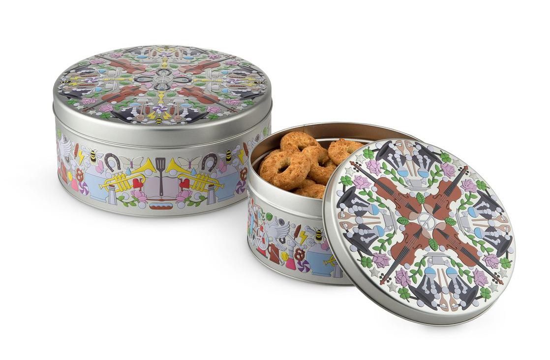 Alessi-Garybaldi-Round-Tin-Boxes-by-Studio-Job-Group_1024x1024