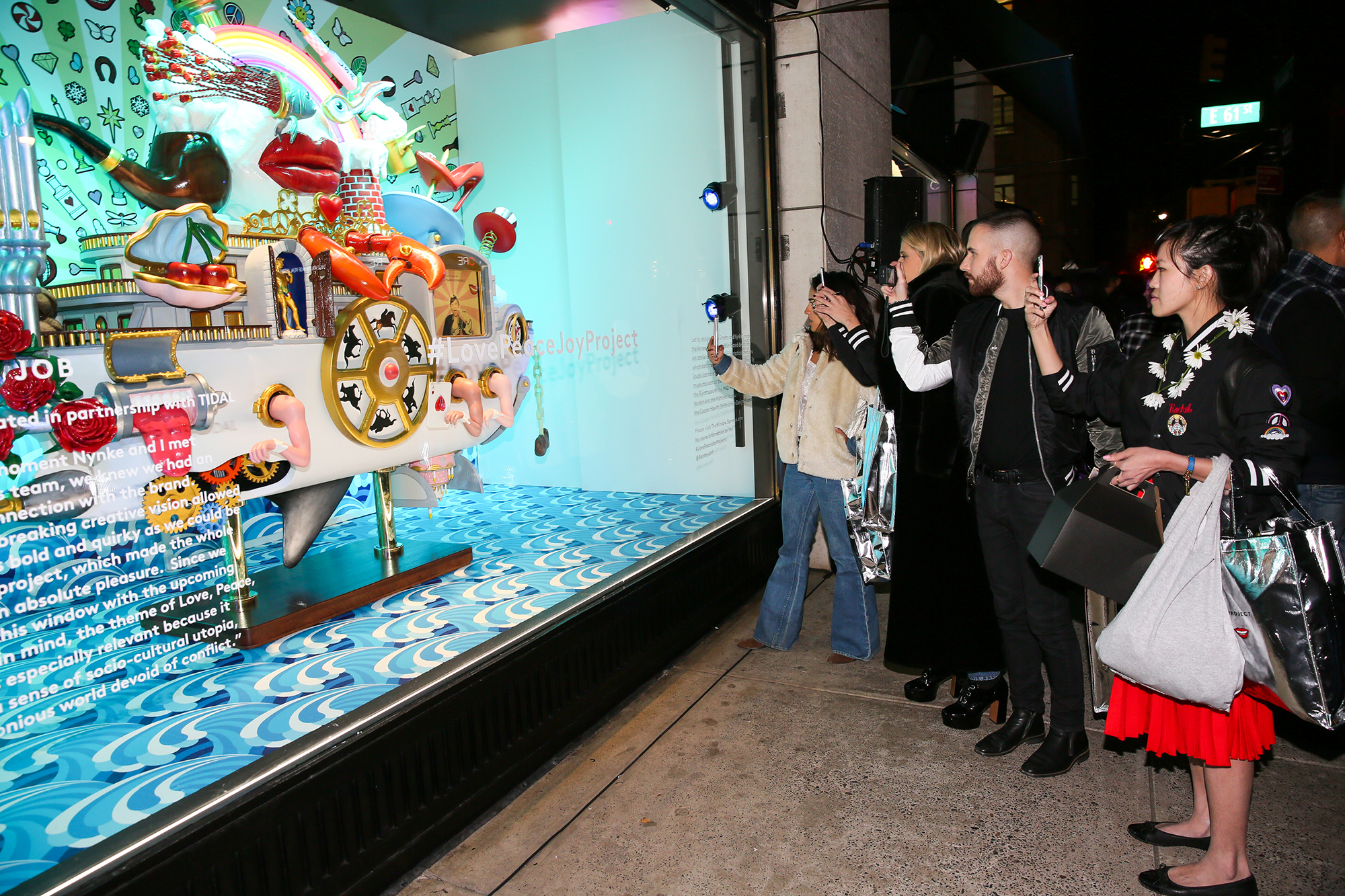 Barneys New York: Launches Love Peace Joy Project for Holiday 2016