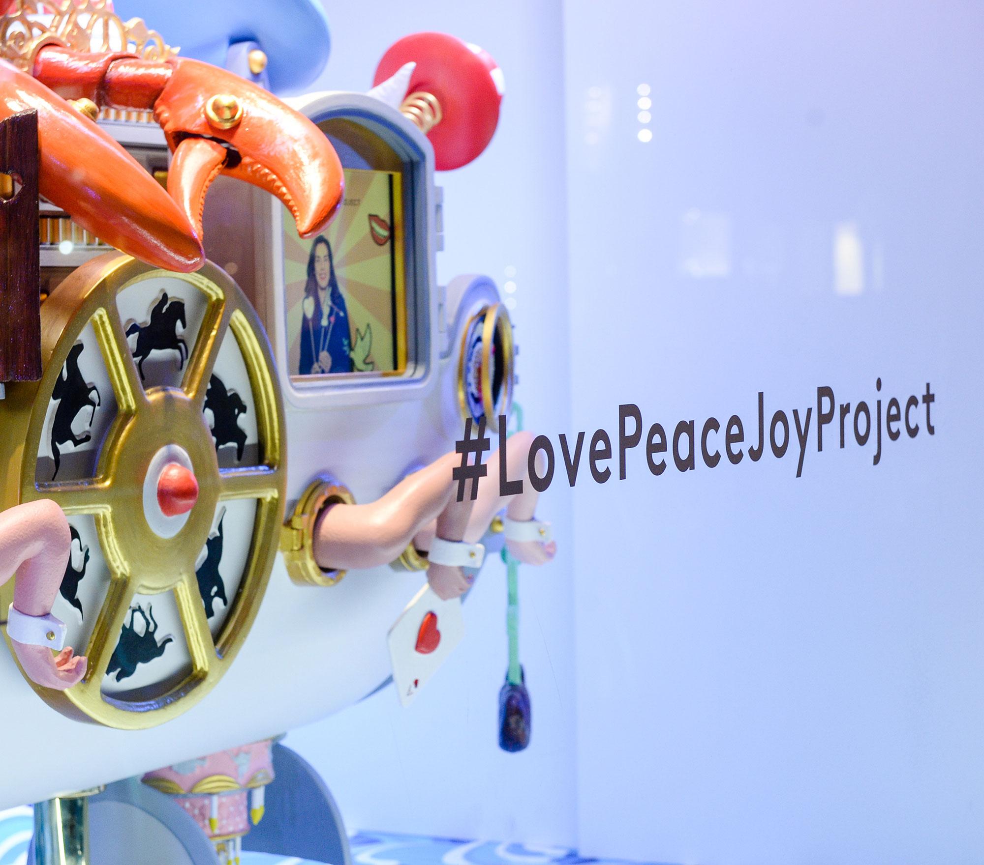 love-peace-joy-project-studio-job