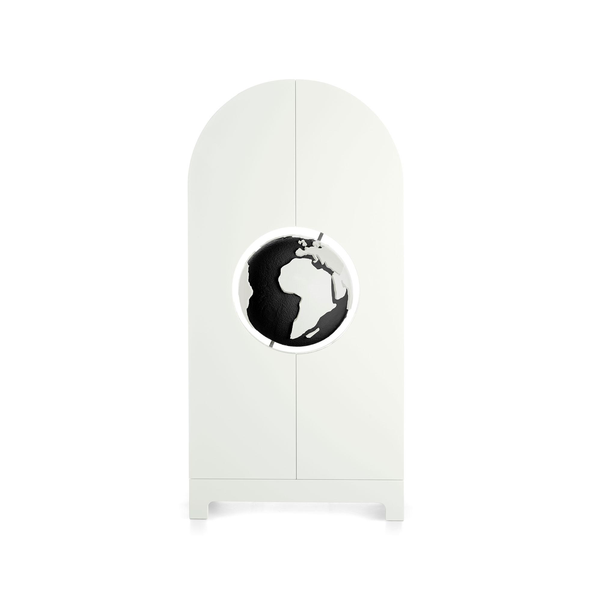 Studio-Job-Globe-cabinet-BWG-Gufram