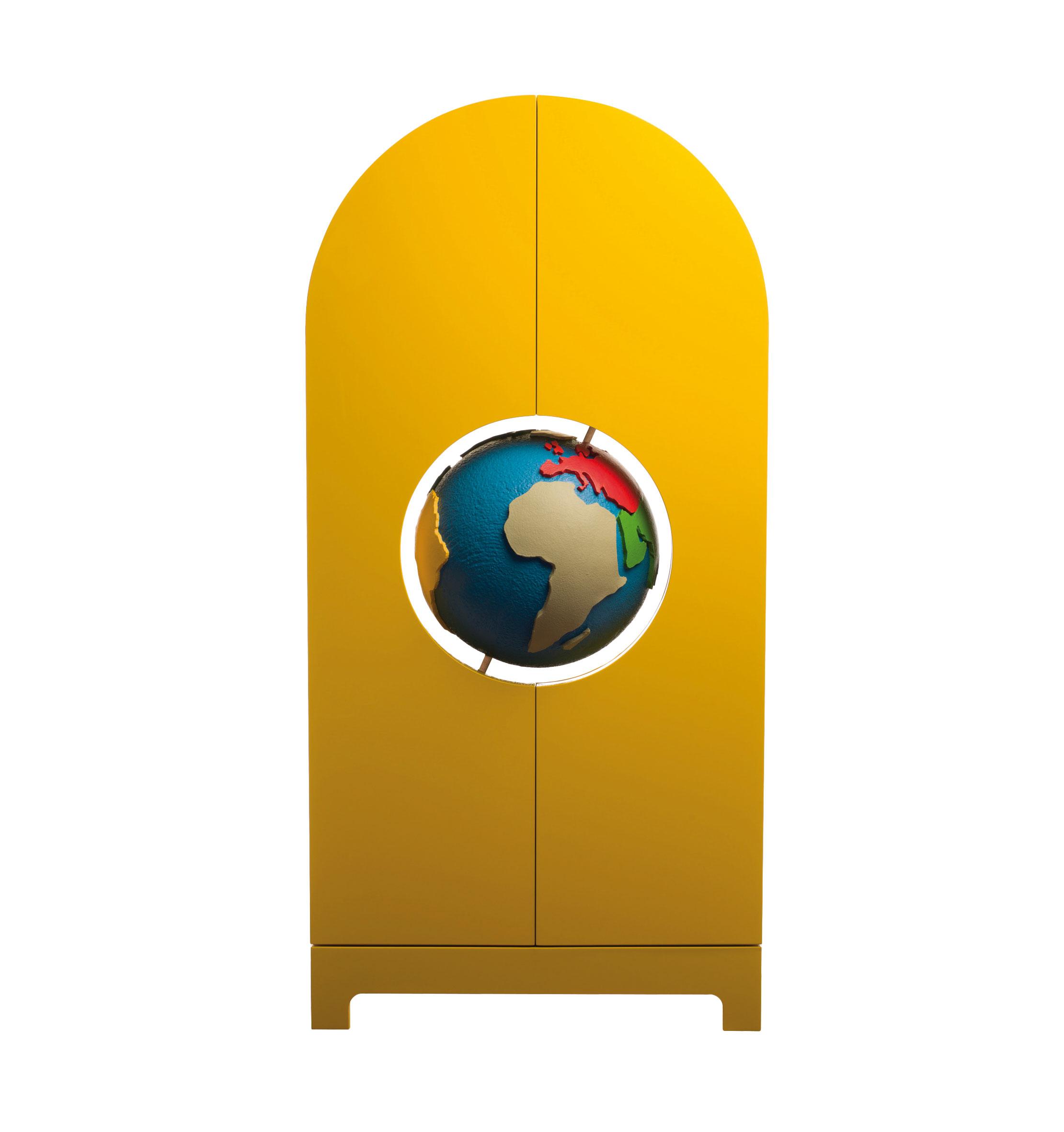 Studio-Job-Gufram-Globe-yellow-closed-14-304
