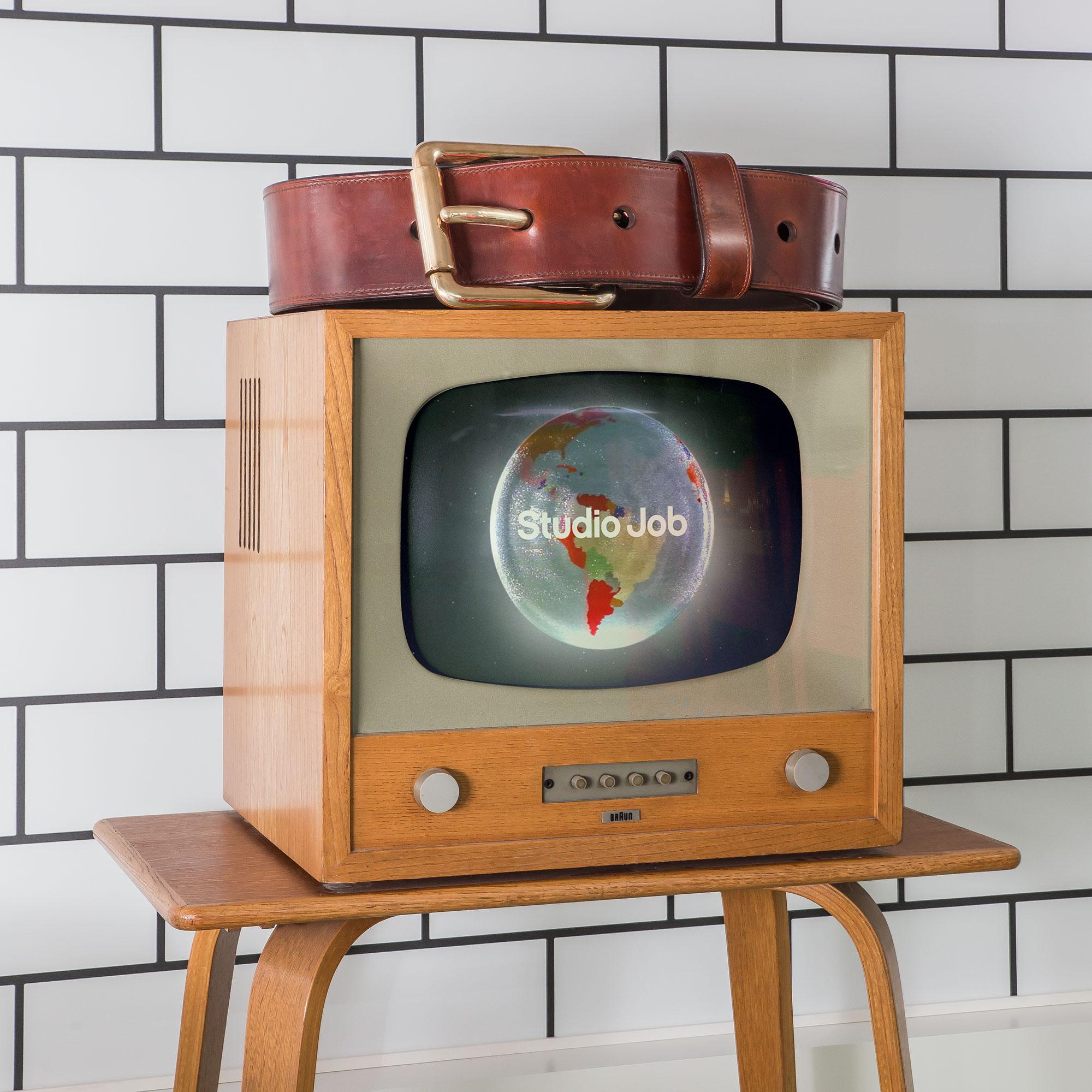 StudioJob-HQ-Detail_TV_Farm