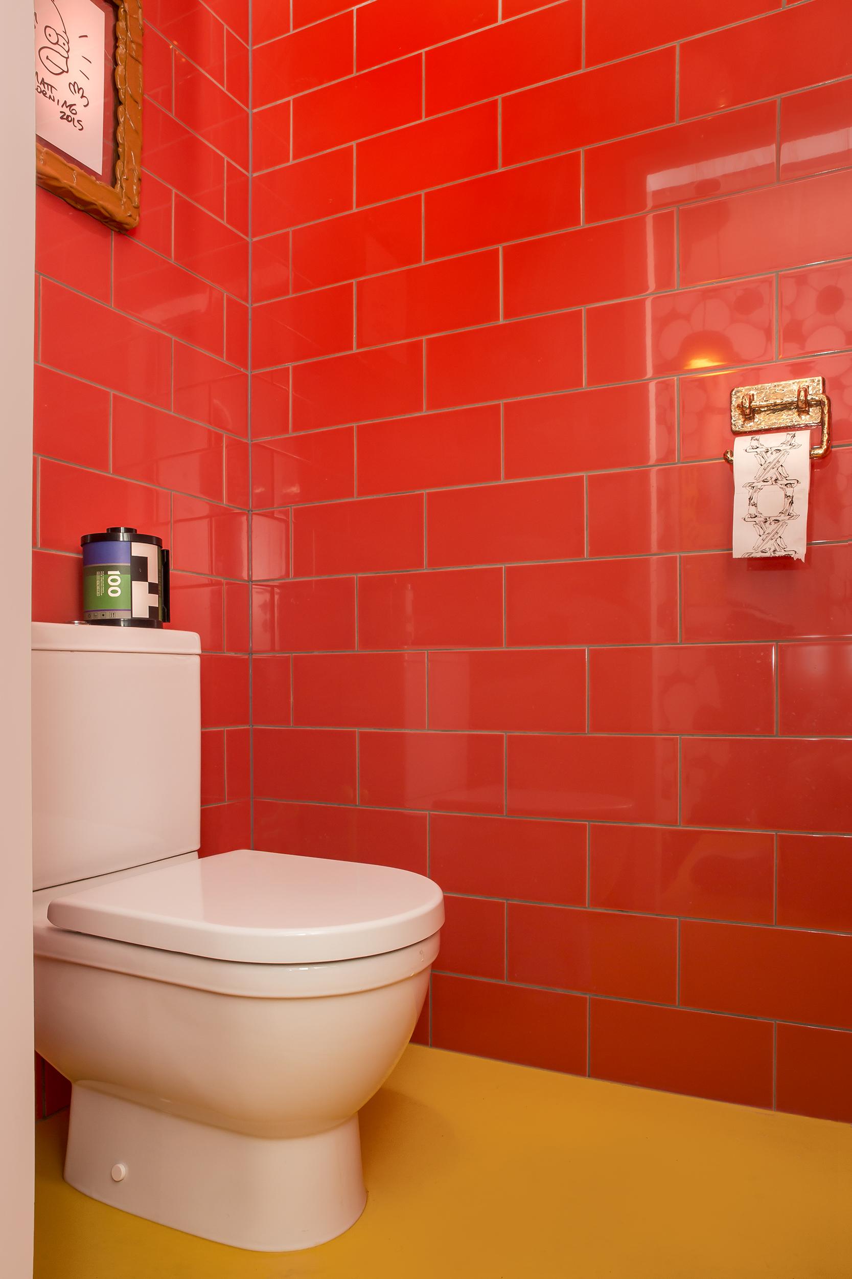 StudioJob-HQ-Toilet1